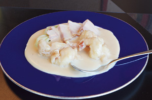▲大ぶりでぷりっぷり!大えびのクリーム煮。