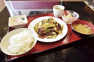 """▲甘味噌風味の回鍋肉定食(税別800円)。"""""""