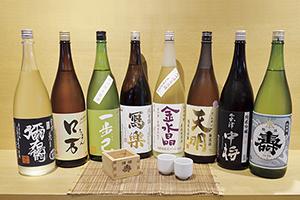 """▲お好みの日本酒をお探しください。"""""""