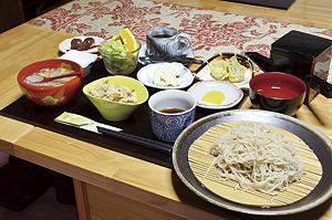 ▲自慢の食材を贅沢に使ったかわも昼膳。